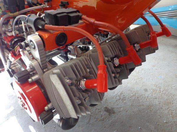 peugeot-103-8-cylindres-orange